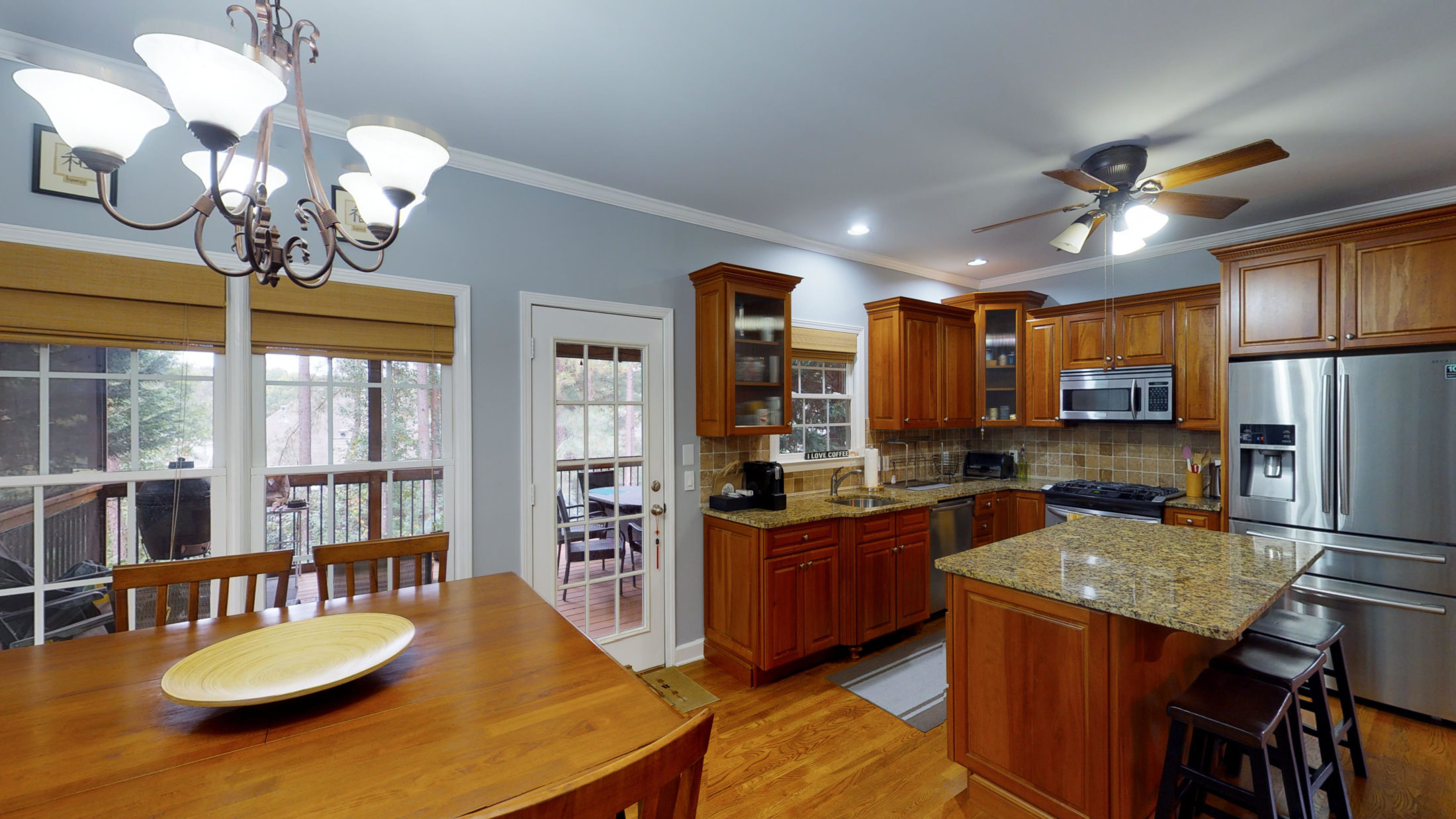 New Listing in Johns Creek