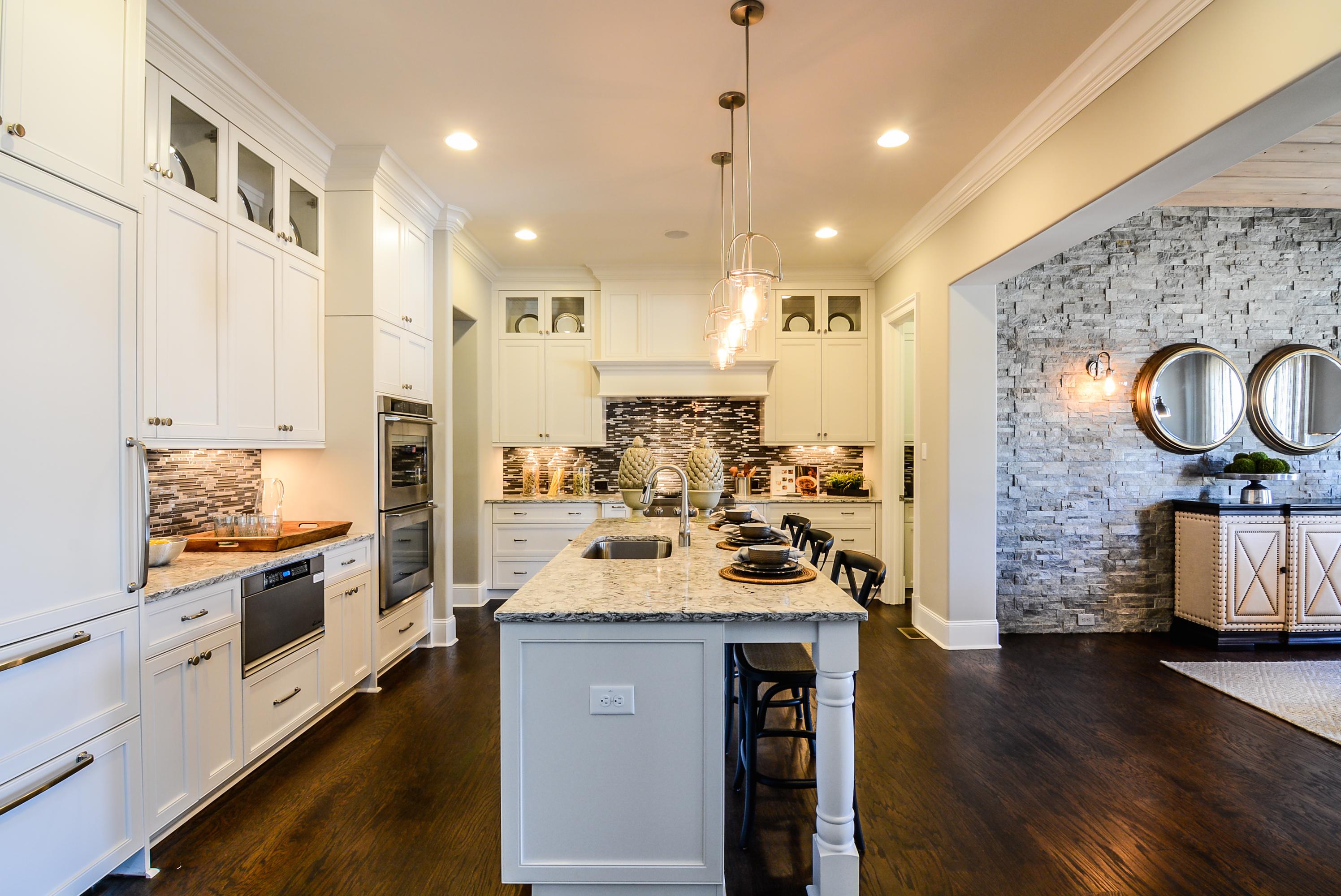 Sleek & Stylish Kitchen
