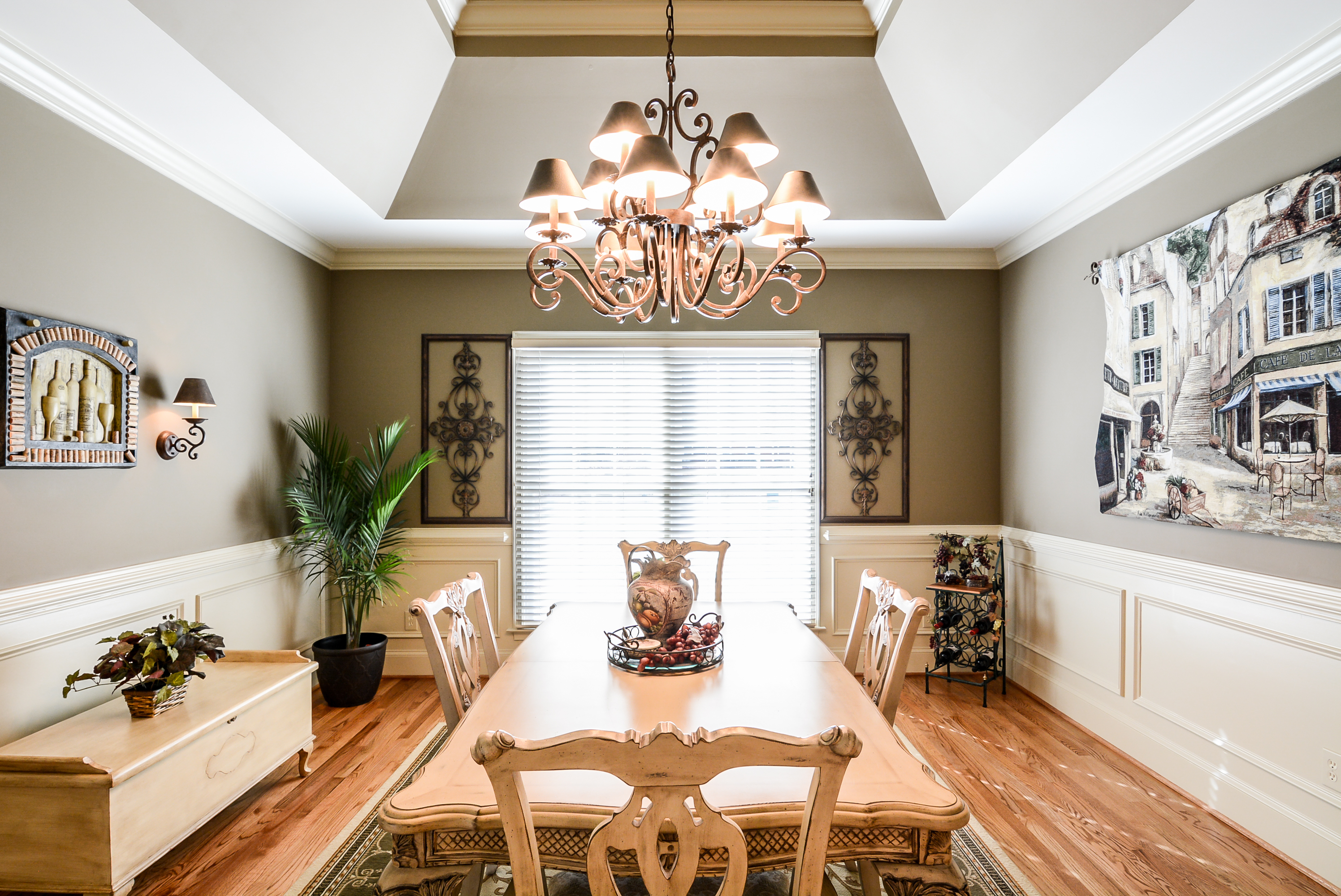Trey Ceiling Dining Room